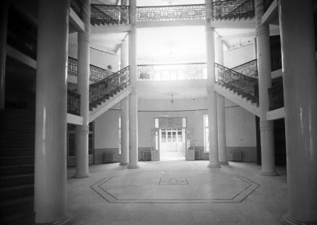 The entrance hall of the Palace Hotel,1936 (NZO\634449)
