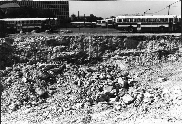The construction of the new building, 1985