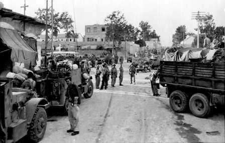 Units of the Israeli army in captured Gaza, 8.11.1956 (PHL\1089116)