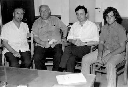 Zvi Oron (second from the left), visiting the CZA