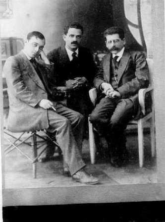 Druyanow (sitting at the right) as editor of Die Welt