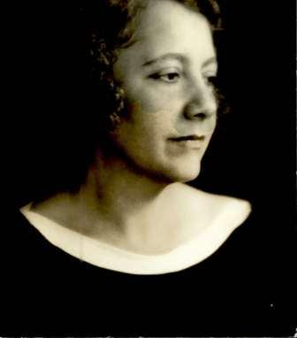 Irma Lindheim in her youth (A274\54)